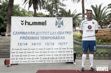 El Tenerife estrenará equipación en el Anxo Carro