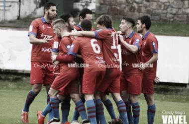 Los jugadores del Ceares celebran un gol | Foto: Onely Vega - VAVEL