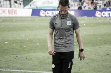 Lucas Bernardi dejó de ser el entrenador de Belgrano. / Foto: Olé