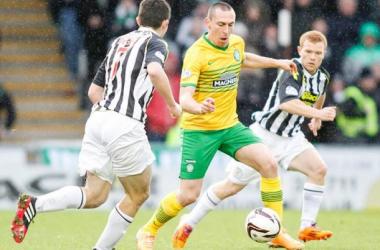 Em segundo tempo arrasador, Celtic goleia St.Mirren e segue tranquilo na liderança