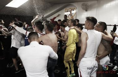Jugadores celebrando el ascenso. Fotografía: La Liga
