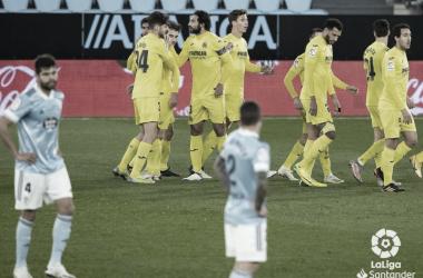 Los jugadores del Villarreal celebran el gol de Fer Niño | Imagen: LaLiga