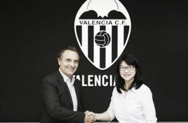Cesare Prandelli é anunciado como novo treinador do Valencia