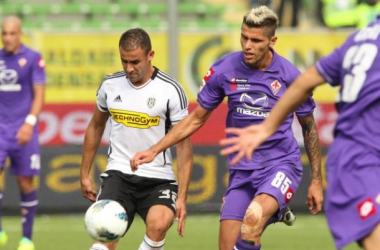 El Cesena se hunde ante la Fiorentina