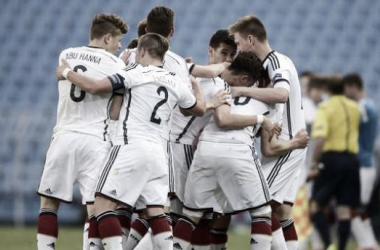 Alemania celebra el pase (Foto: @MSub17Chile2015).