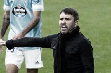 Eduardo el Cacho Coudet dirigiendo al RC Celta en un partido | Fuente: RC CELTA