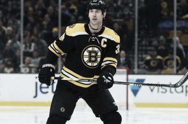 Chara, con 42, no parecequererdetener su marcha - NHL.com