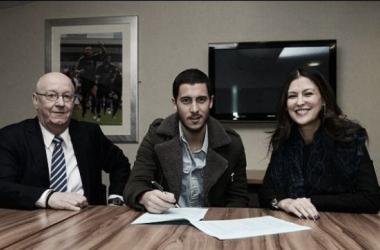 Chelsea renova com Hazard até 2020