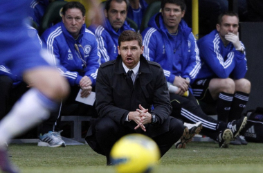 Villas-Boas watches as his side struggle to breakdown Norwich's defence