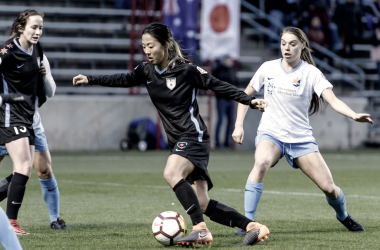 Yuki Nagasatao and Erica Skroski battling for the ball l Source: Chicagoredstars.com