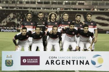 El equipo ante Godoy Cruz por los Octavos de FInal de la Copa Argentina. Foto: Olé