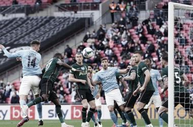 Manchester City se impõe contra Tottenham e conquista Copa da Liga Inglesa