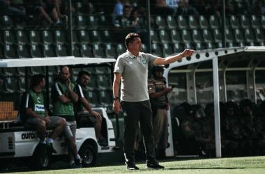 Treinador pontuou principais erros da equipe (Foto: Marcio Cunha/Chapecoense)