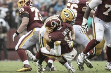 Clay Matthews derribando a Alex Smith // Foto: Getty Images