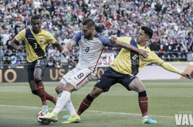 Copa America Centenario: Clint Dempsey stars in 2-1 victory over Ecuador