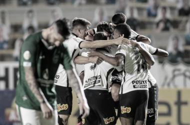 Corinthians confirma presente de aniversário ao vencer Goiás pelo Brasileirão