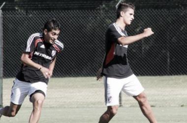 Lamela y Pereyra, compartiendo entrenamiento en River. Si bien debutaron en el peor momento del club, pudieron ir a Europa y lograr reconocimiento (FOTO: La Página Millonaria).