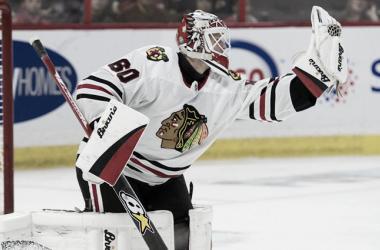Collin Delia seguirá tres años más con los Blackhawks (NHL.com)