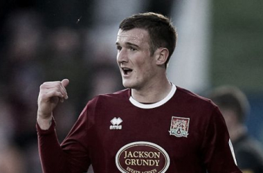 Mansfield Town sign Northampton Town defender