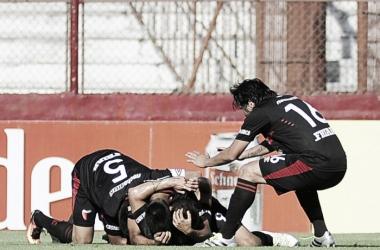 El festejo de los jugadores tras el gol. | Foto: Sitio Web