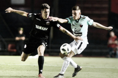 Imagen del último partido entre Colón y Lanús en el Estadio Brigadier General Estanislao López/ (Foto: GETTY)