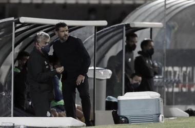 """Sérgio Conceição reclama de pênalti não marcado em derrota do Porto: """"Vai ser uma luta contra tudo e todos"""""""