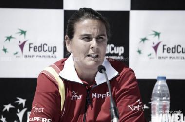 Conchita Martínez atendiendo a los medios de comunicación   Foto: Jordi Echevarría - VAVEL
