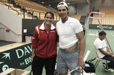 Conchita Martinez and Rafael Nadal during a Davis Cup training session (Source : Sport.es)