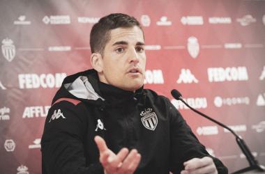 Robert Moreno durante una rueda de prensa con el AS Mónaco. Foto: AS Mónaco.