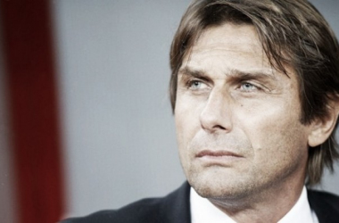 Chelsea anuncia Antonio Conte como técnico por três temporadas