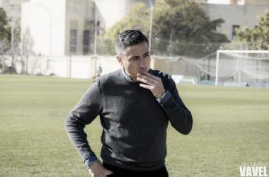 Antonio Contreras antes de comenzar el partido.   Foto: Javi Muñoz (VAVEL)
