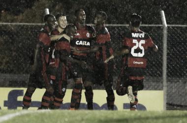 Com atuação segura, Flamengo goleia Nacional-SP e garante vaga na terceira fase