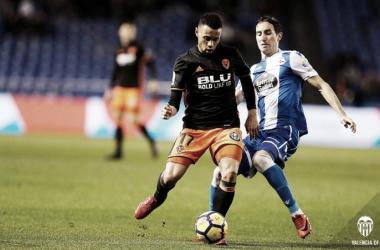 Francis Coquelin durante su debut oficial como blanquinegre. Fuente: Valencia CF.
