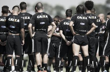 Corinthians duela com Bragantino para se manter invicto nos jogos oficiais em 2015