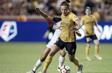 Rachel Corsie with the Utah Royals FC against the North Carolina Courage | Photo: NWSLsoccer.com