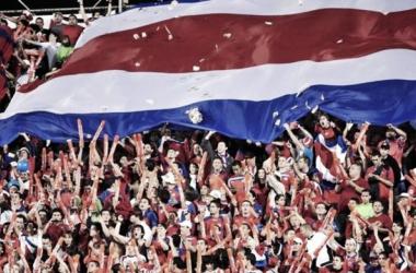 Mesmo receosos com os prognósticos para o Mundial, torcedores da Costa Rica devem estar satisfeitos por verem o país de volta a uma Copa do Mundo (Foto: aldia.cr)