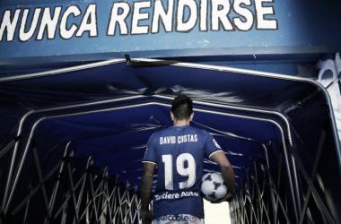 David Costas encara el túnel de vestuarios antes de pisar el césped | Foto: Real Oviedo