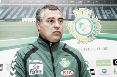 Couceiro de partida do Vitória (Foto: Site Vitória Futebol Clube)