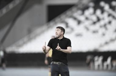 """Coudet lamenta derrota para Goiás com um jogador a mais: """"Não fizeram nada depois do gol"""""""