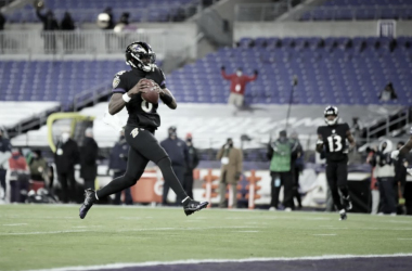 Com show do ataque terrestre, Baltimore Ravens vence Dallas Cowboys