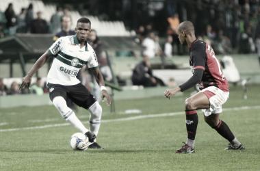 Alviverdes e Rubro-Negros empataram e mantiveram suas invencibilidades (Foto: Divulgação / Coritiba FC)