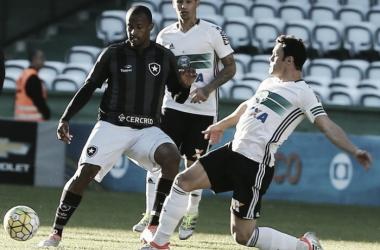 Coritiba e Botafogo empatam sem gols e se aproximam da zona de rebaixamento