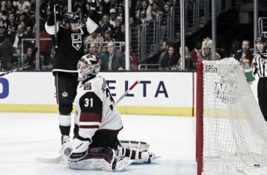 The Los Angeles Kings had lots to celebrate in their 6-0 thrashing of the Coyotes February 3, 2018. (Photo: Daily Breeze)