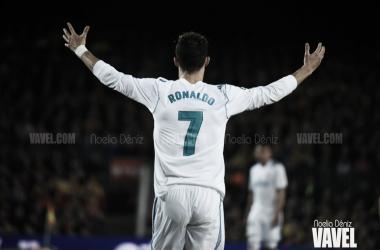 Cristiano Ronaldo con los brazos abiertos en el Camp Nou I Foto: Noelia Déniz (VAVEL)