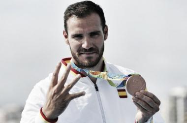 Saúl Craviotto disfrutando de su medalla de bronce   Foto: COE