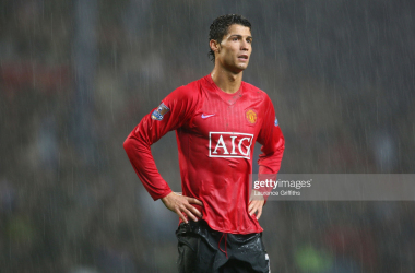 <div>BLACKBURN, UNITED KINGDOM - OCTOBER 04: Cristiano Ronaldo of Manchester United looks on as the rain falls during the Barclays Premier League match between Blackburn Rovers and Manchester United at Ewood Park on October 4, 2008 in Blackburn, England. (Photo by Laurence Griffiths/Getty Images)</div>