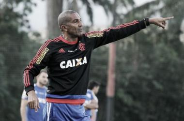 """Cristóvão mantém o perfil """"tranquilo, calmo e sereno"""", mas também sabe cobrar quando necessário. (Foto: Gilvan de Souza/Flamengo)"""