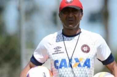 Corinthians se aproxima de acerto com Cristóvão Borges