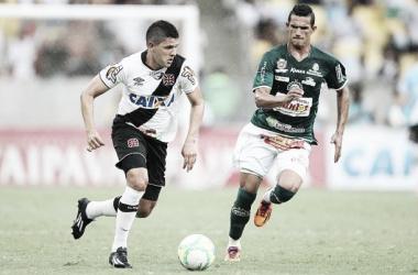 Diego Renan, que tem futuro incerto no Vasco, escreve texto em tom de despedida