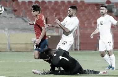 Un penalti rompe la racha de España
